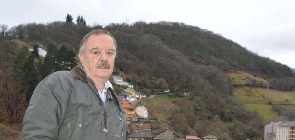 «La Sociedad de Artesanos de Cangas tiene dinero para pagar tres Descargas»