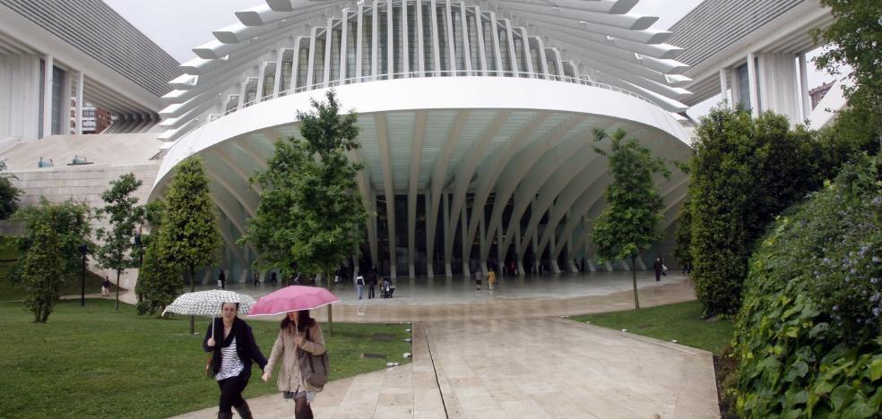 El Ayuntamiento de Oviedo reserva 40.000 euros para acabar con las goteras del Calatrava