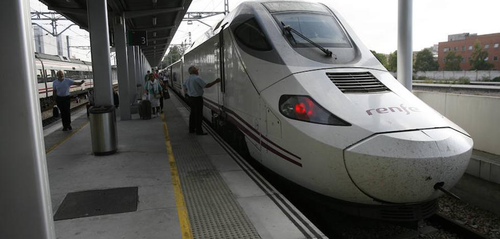 La acumulación de hielo obliga a hacer un trasbordo de pasajeros del Alvia Gijón-Alicante