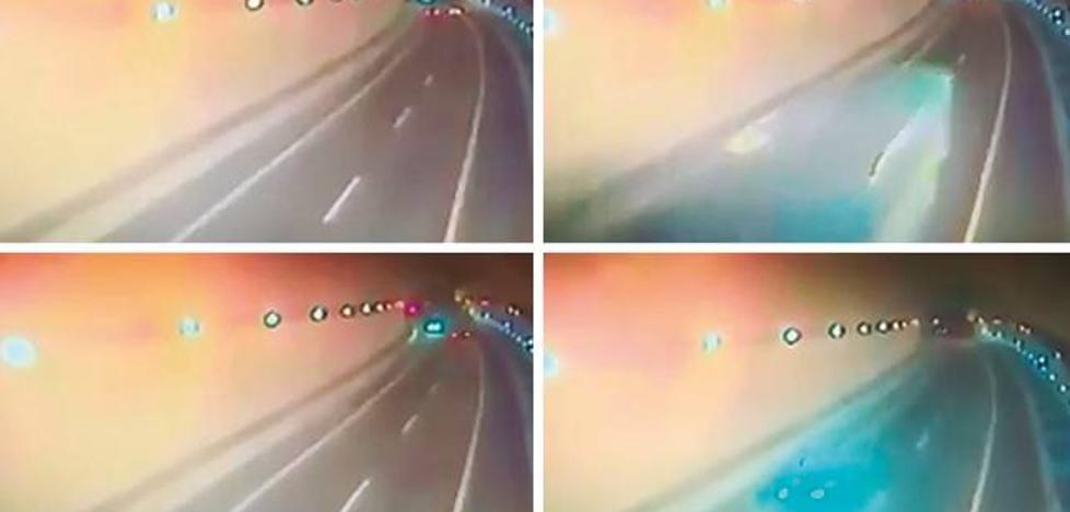 «Cuando superó las señales que advierten de que va en dirección prohibida, aceleró»