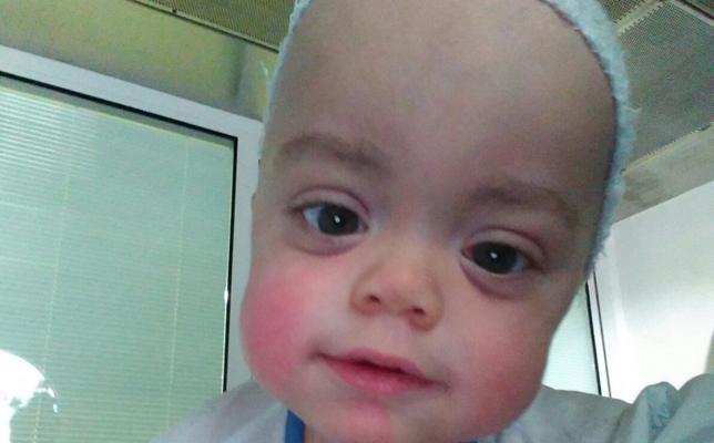 Rubén, el niño con síndrome de Hurler, recibe la médula de su hermano mayor