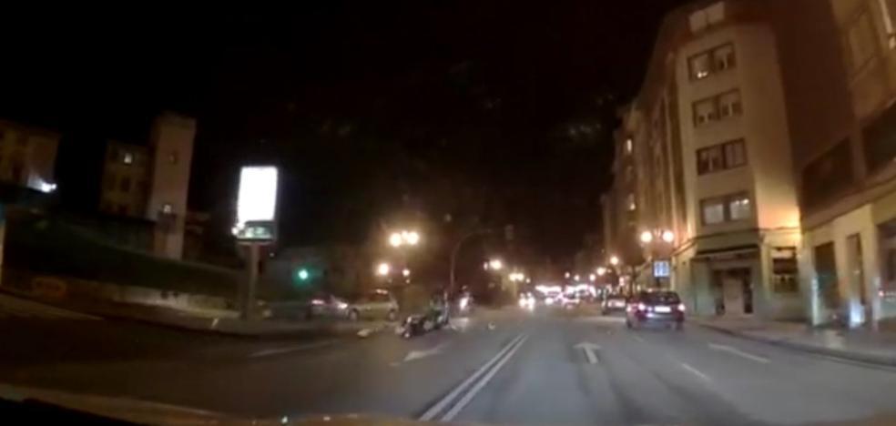 Herido un motorista tras ser embestido por un coche en la calle Fuertes Acevedo