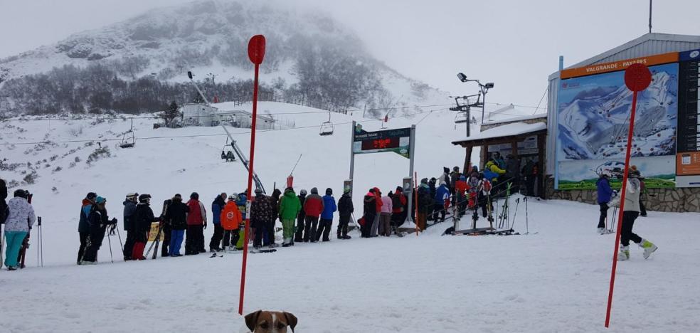 Valgrande y Fuentes suman 5.598 esquiadores durante el fin de semana
