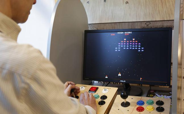 Una empresa de Gijón desarrolla una consola que permite jugar con todos los videojuegos