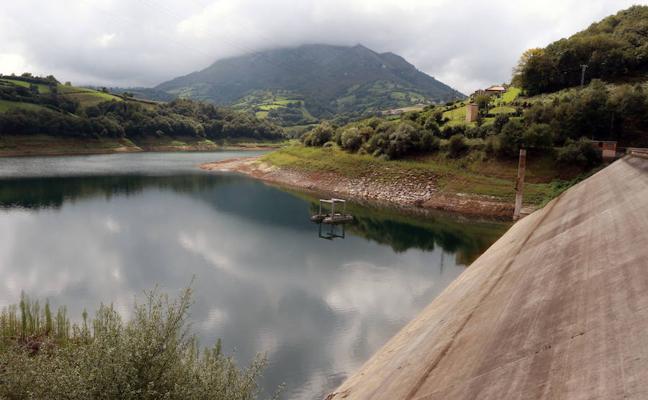 La Confederación insta a encarecer el recibo del agua en verano y ante casos de sequía
