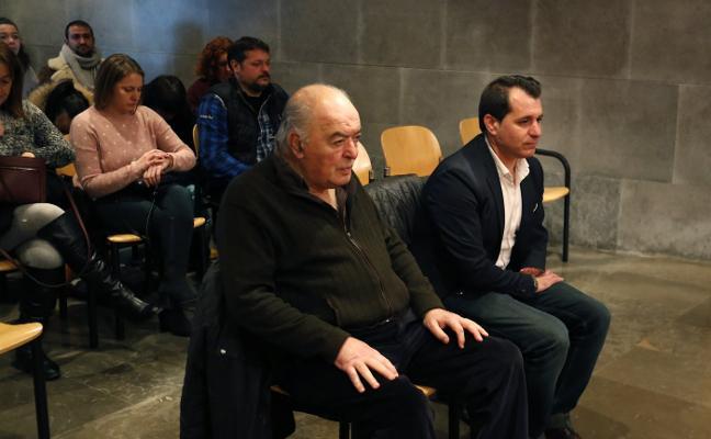 Moreno y Villalta defienden la legalidad en el pago de subvenciones en Aller