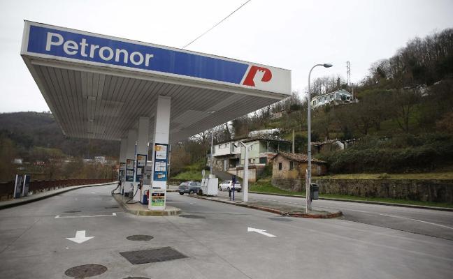La gasolinera de El Entrego cerrará en mayo tras 55 años