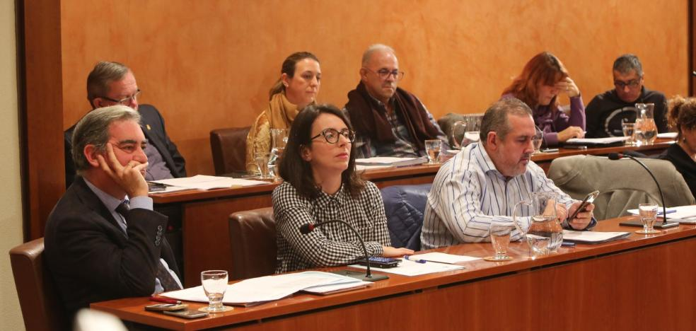De Rueda traslada al comité de garantías las críticas de los tres ediles del PP a su portavoz