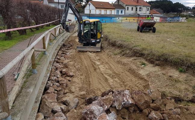 Comienzan las obras para construir una escollera en Zeluán