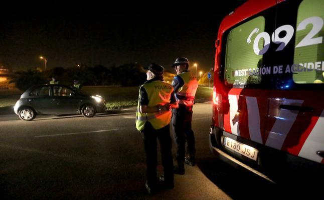 Detenido un conductor ebrio tras chocar contra un coche aparcado y tratar de huir en Gijón
