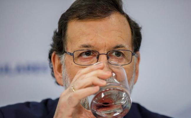 Rajoy reclama un candidato «limpio» para normalizar la política catalana