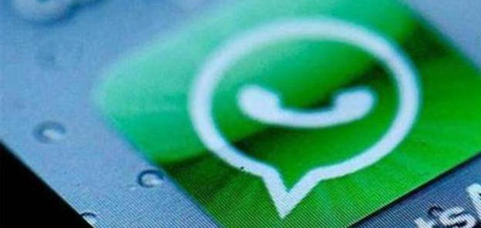 Condenan a una madre a pagar 630 euros por insultar a una profesora en un grupo de WhatsApp