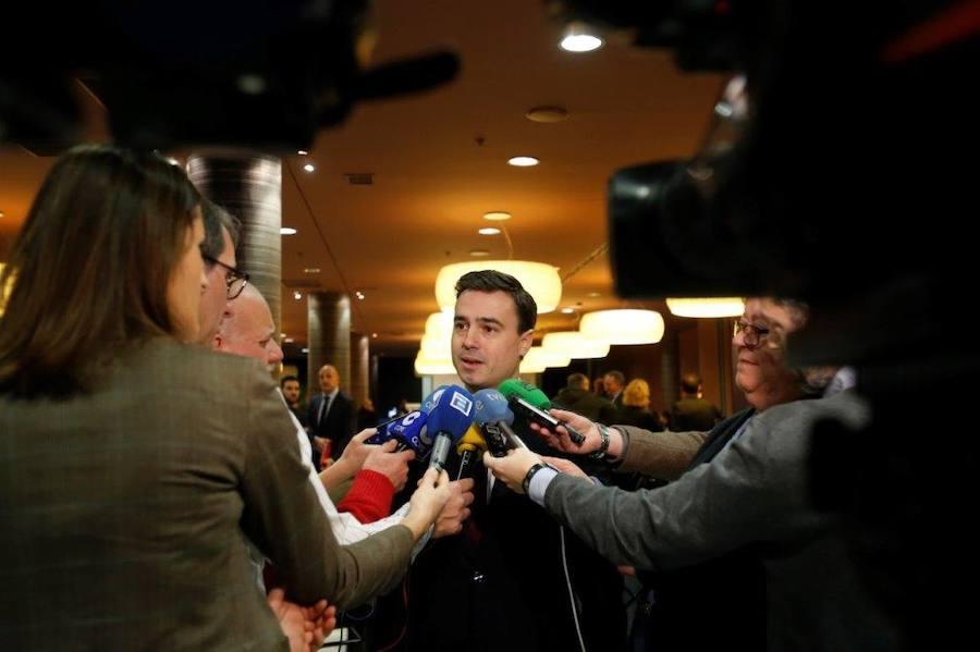 Charla del candidato a la presidencia de Fade, Alejandro Díaz, con los empresarios