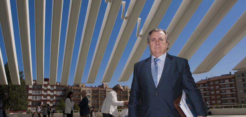 «España tiene más médicos de los que necesita, pero están mal repartidos»