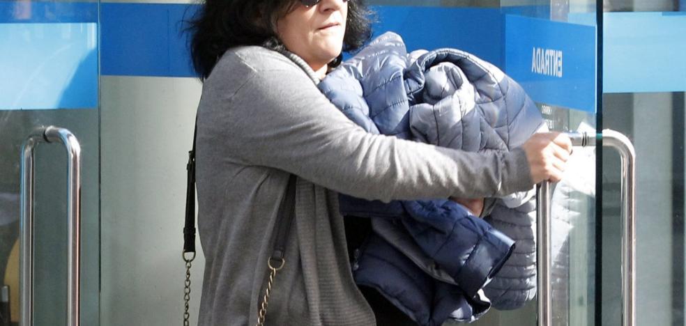 La madre que abandonó a sus tres hijas en Pumarín, de nuevo a juicio