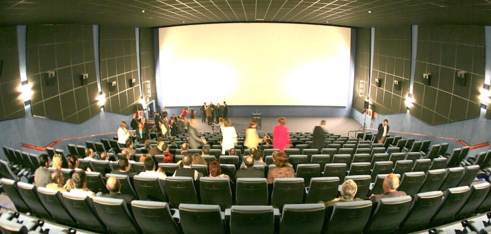Facua denuncia a los cines del Valle del Nalón por no permitir la entrada con comida y bebida del exterior