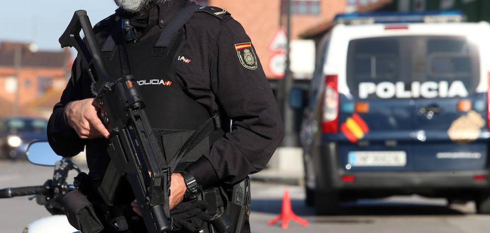 Detenidos doce miembros del clan 'Sandulache' que formaban una red de explotación sexual en Asturias