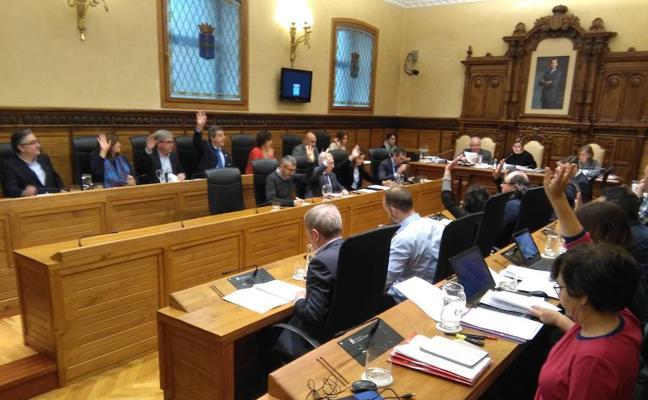 El Pleno gijonés rechaza que el Ayuntamiento asuma la gestión del Revillagigedo