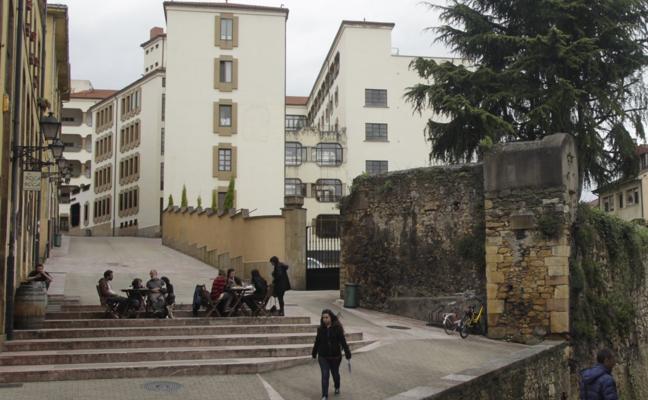 El Ayuntamiento de Oviedo pedirá a la Iglesia que pague impuestos por sus edificios sin culto en 2019