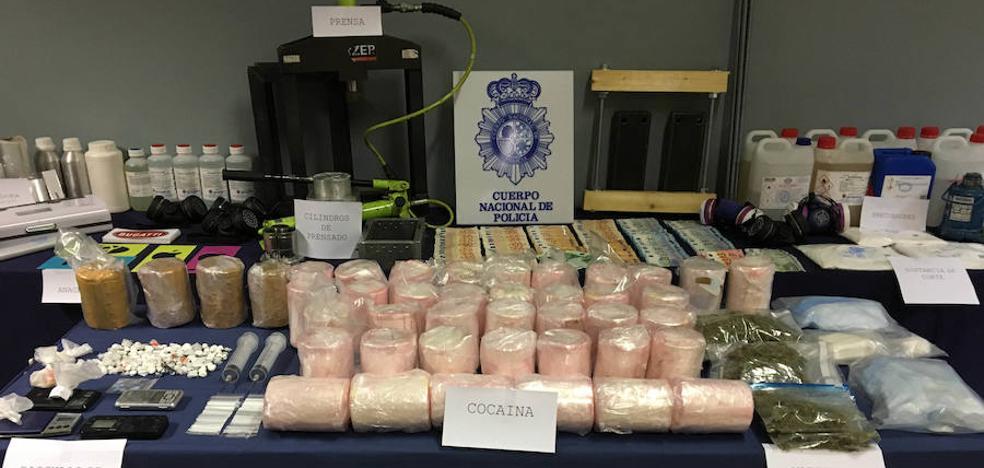 La Policía se incauta 745 kilos de cocaína escondida en piñas y detiene a 9 integrantes de la red