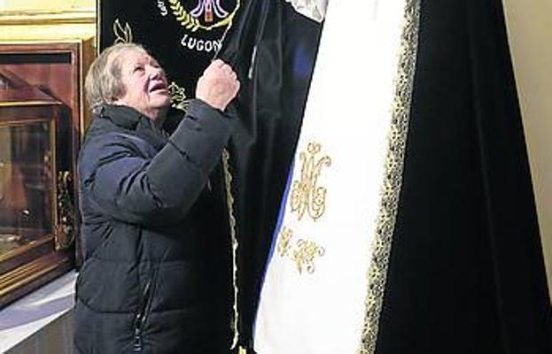 Rosario Menéndez es elegida hermana mayor de la Cofradía de Lugones