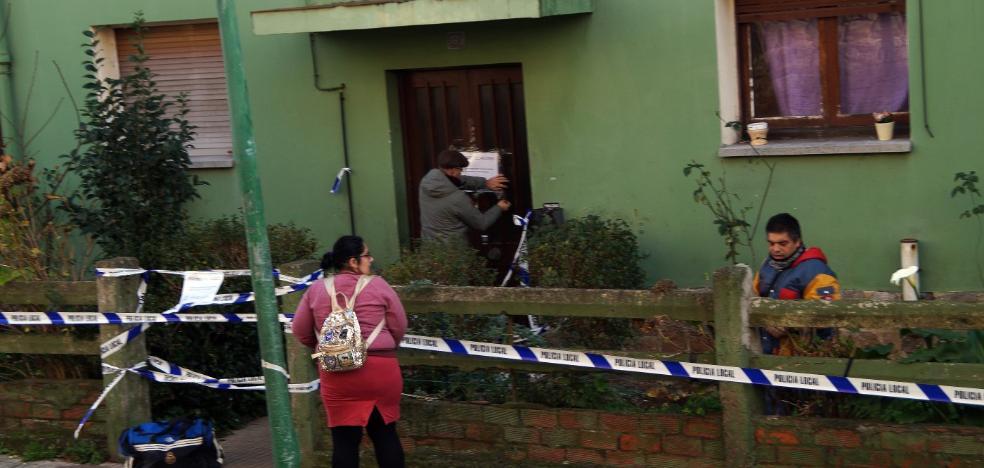 Dos familias del edificio desalojado en Candás dejan de pagar el alquiler