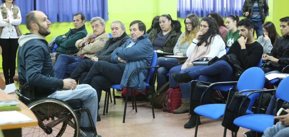 El IES Isla de la Deva inicia el ciclo de charlas 'Mejor con más seguridad'