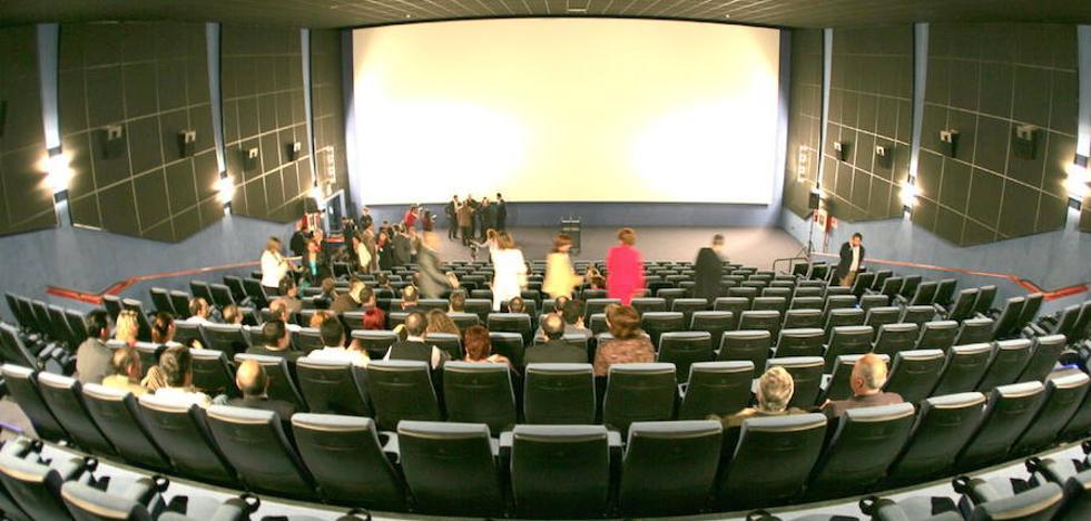 Denuncian a los cines del Nalón por impedir entrar con comida