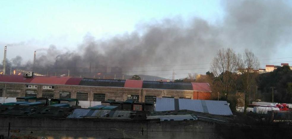 El Principado abre un expediente a ArcelorMittal por la nube negra en Avilés