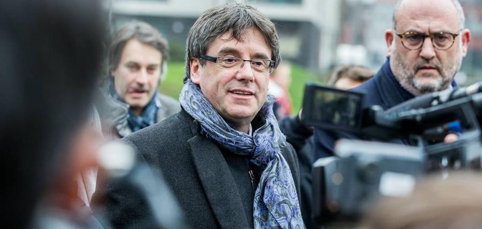 Puigdemont dice que la respuesta del Gobierno al 1-O fue «un ataque a los derechos humanos»