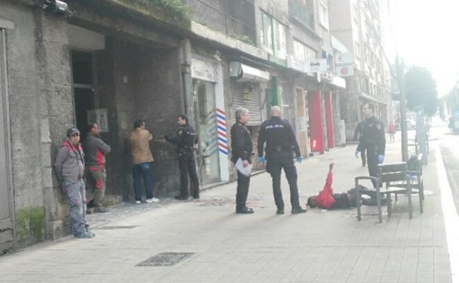 Herido grave en Gijón al ser golpeado brutalmente con un tablón en la cabeza