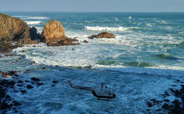 Temporal en Asturias: el oleaje deja un fallecido en Tapia e importantes daños en la costa