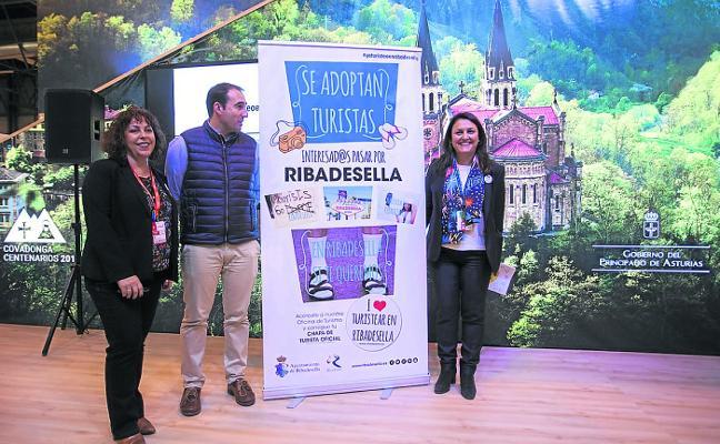 Ribadesella 'adopta' turistas para frenar la 'turismofobia'