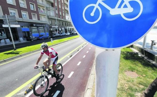 El Plan de Movilidad de Gijón plantea ampliar la red de carriles bici hasta El Cerillero y el Botánico