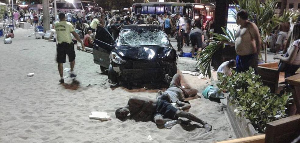 Muere un bebé en un atropello múltiple en el paseo marítimo de Copacabana