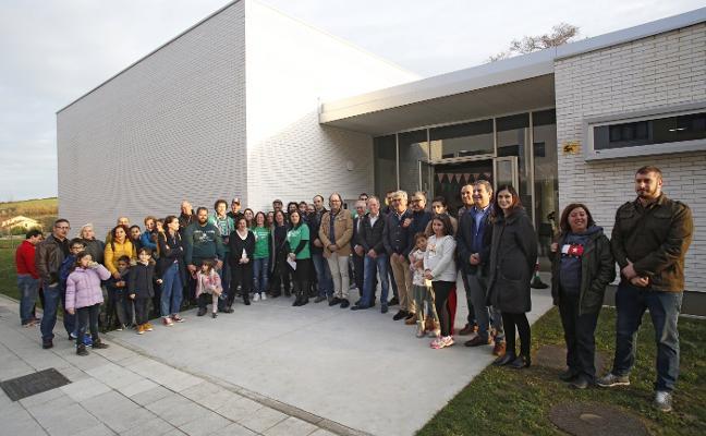 Nuevo Roces estrena una sede vecinal «que nos servirá para hacer barrio»