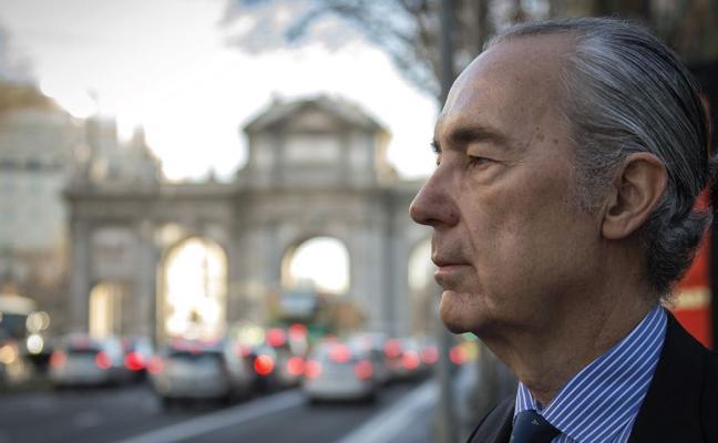 Luis Alberto de Cuenca: «La corrección política está superando el fascismo y el comunismo»