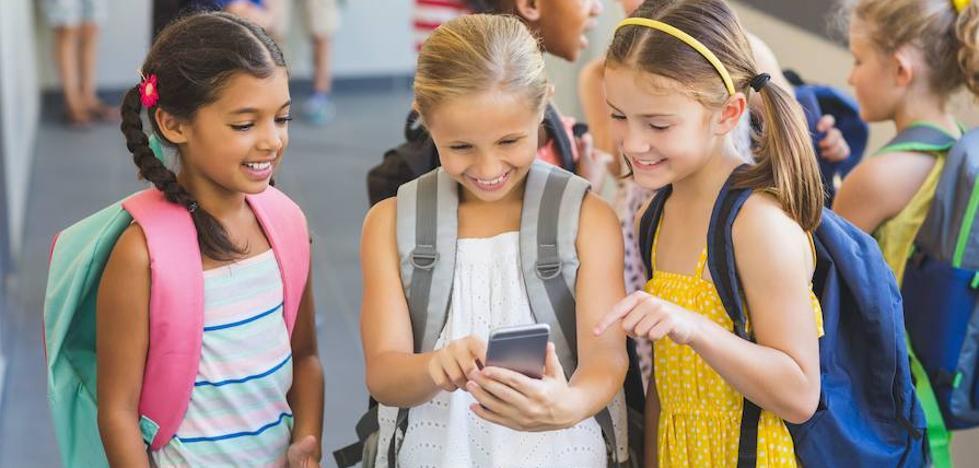Crecen los casos de menores adictos al móvil