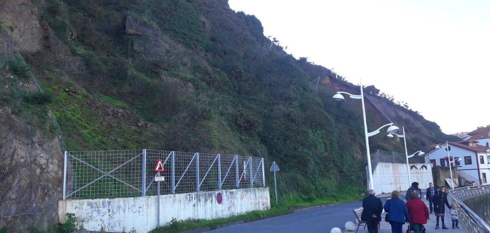 El Ayuntamiento no ve riesgo de nuevos argayos en el paseo marítimo de Candás