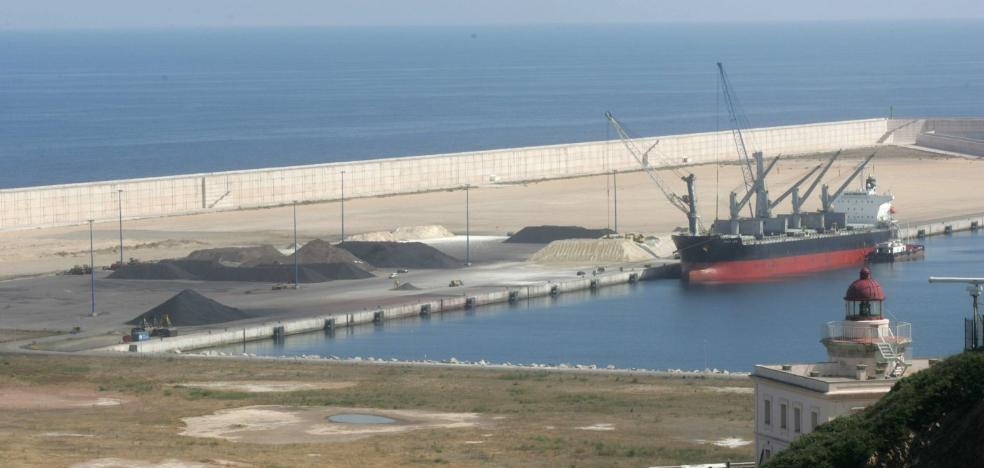 El Tribunal de Cuentas dice que la ampliación de El Musel no mejoró la eficiencia del puerto