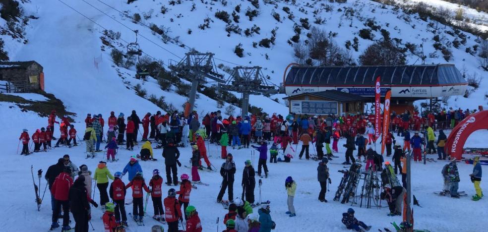 El 'Día de la Nieve' cierra un fin de semana con 6.400 esquiadores en las estaciones