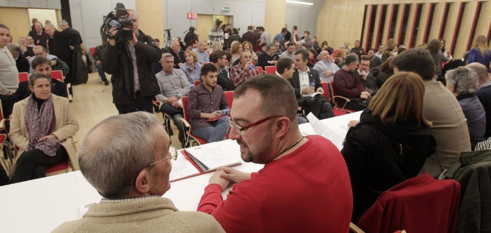Críticos del PSOE afean a Barbón un intento de «tensar el partido de forma innecesaria»