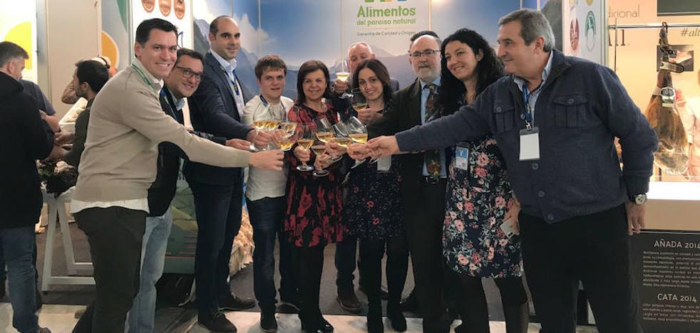 El stand de Asturias, centro de muchas miradas en Madrid Fusión