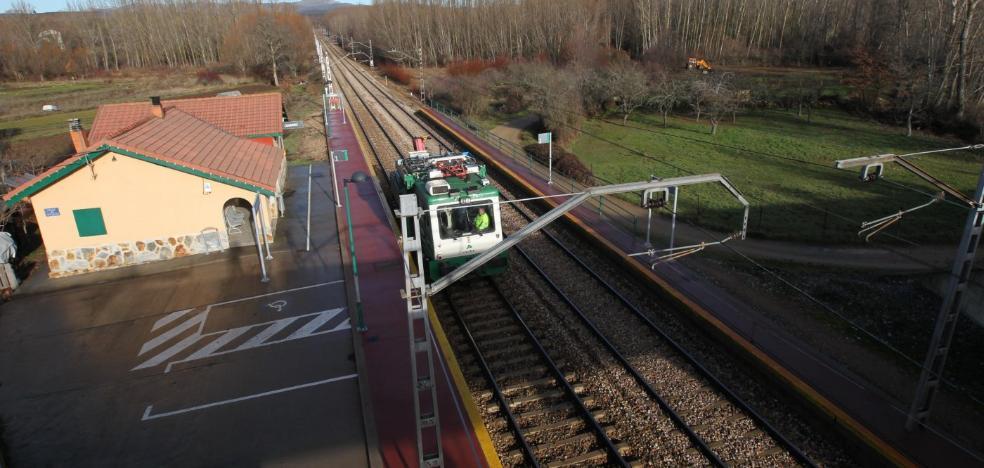 Fomento pone en marcha el cambio de vías para que el AVE llegue hasta Asturias