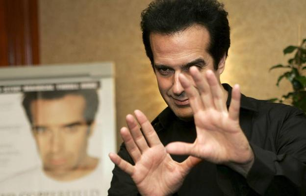 El mago David Copperfield, acusado de drogar y violar a una menor en 1988