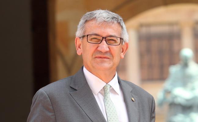 El rector de la Universidad de Oviedo invitado a la Tertulia L'Alderique