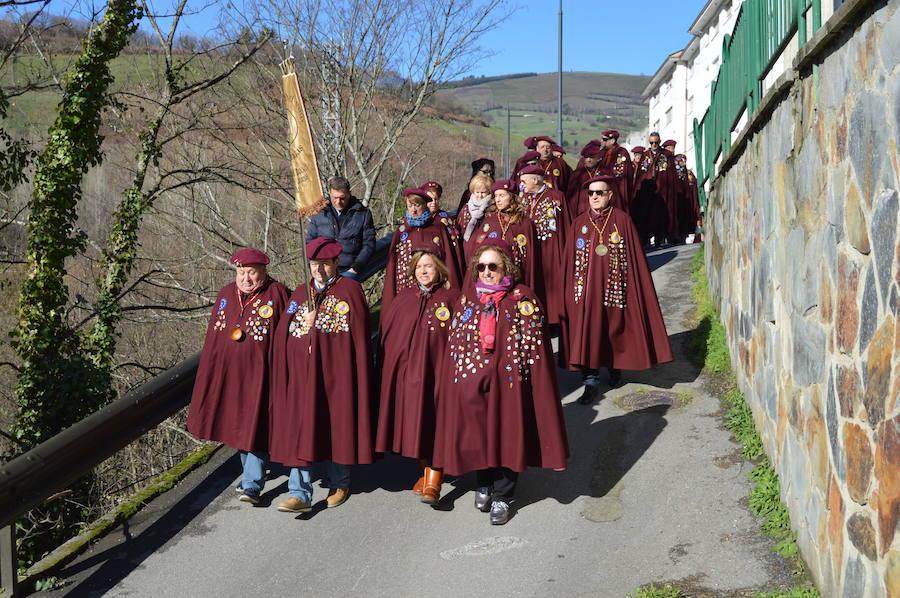 Cangas del Narcea cata sus vinos en las fiestas de Santiso