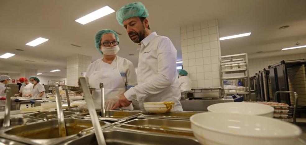 Un menú de Nacho Manzano para los hospitalizados del HUCA