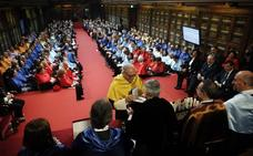La Universidad de Oviedo prepara un plan de nuevas titulaciones y las negociará con el Principado
