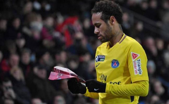 El feo gesto de Neymar que indigna a Francia